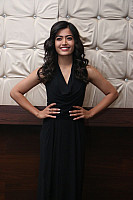 rashmika-mandana-in-dark-green-outfit-16