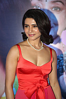 Samantha-Akkineni-red-hot-cleavage-peek-19