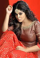 Poorna-cute-actress-6