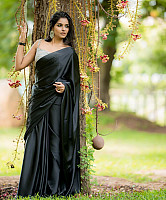 subalakshmi-rangan-in-black-saree-11