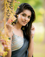 subalakshmi-rangan-in-black-saree-14