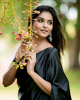 subalakshmi-rangan-in-black-saree-3
