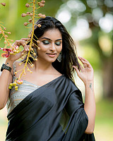 subalakshmi-rangan-in-black-saree-4