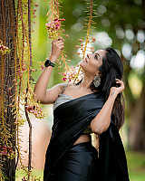 subalakshmi-rangan-in-black-saree-6