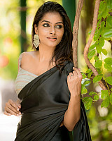 subalakshmi-rangan-in-black-saree-7