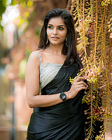 subalakshmi-rangan-in-black-saree-9