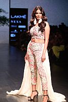 Malavika-Mohanan-at-fashion-show-1