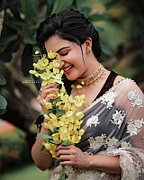 Honey-Rose-vishu-photoshoot-3
