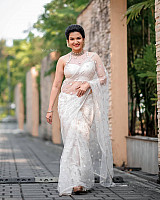 honey-rose-in-transparent-white-saree-2
