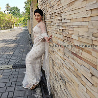 honey-rose-in-transparent-white-saree-5