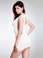 Akansha-Puri-hot-look-2