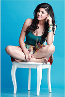 Akansha-Puri-hot-look-5