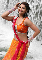 Akansha-Puri-hot-look-6