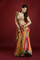 Akansha-Puri-hot-look-8