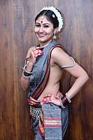 antasheela-ghosh-without-blouse-19