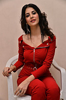 Kashish-Vohra-red-hot-70