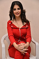 Kashish-Vohra-red-hot-73