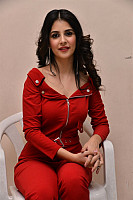Kashish-Vohra-red-hot-85