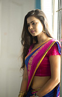 san-riyah-in-saree-1