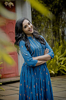 smruthi-venkat-photoshoot-stills-12