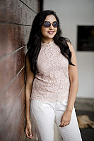 smruthi-venkat-photoshoot-stills-17