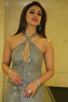 musskan-sethi-hot-red-lips-68