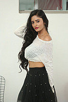 Sanya-Sinha-hot-navel-in-black-skirt-8