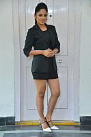 nandita-swetha-hot-legs-in-skirt-18